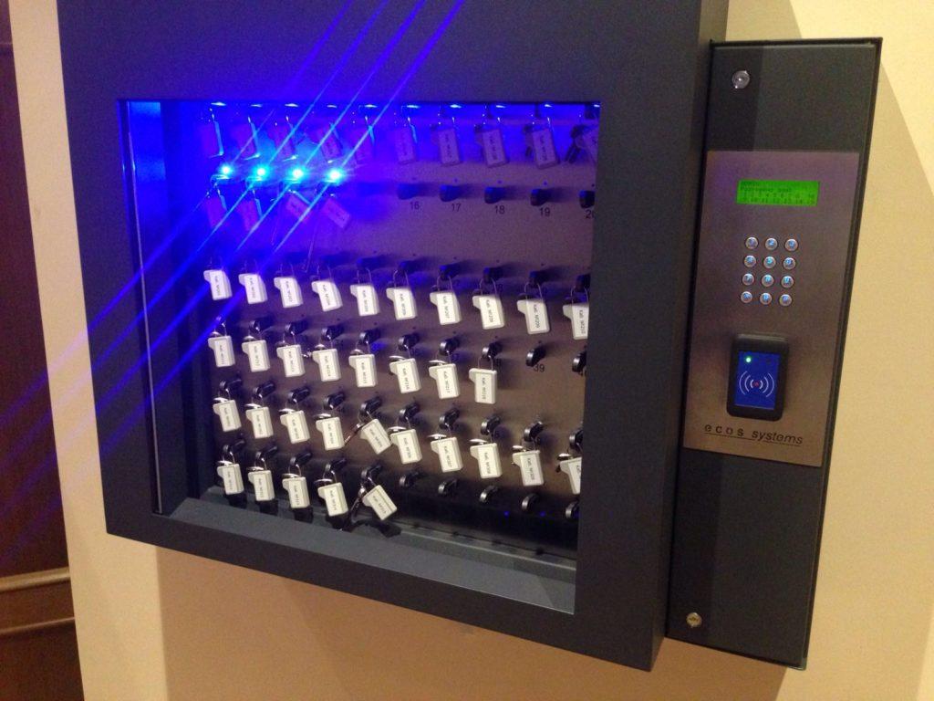 электронные ключницы ECOS в музеях и дворцовых комплексах